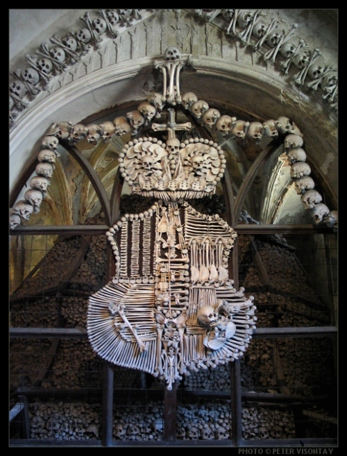 Czech_KutnaHora_Ossuary1