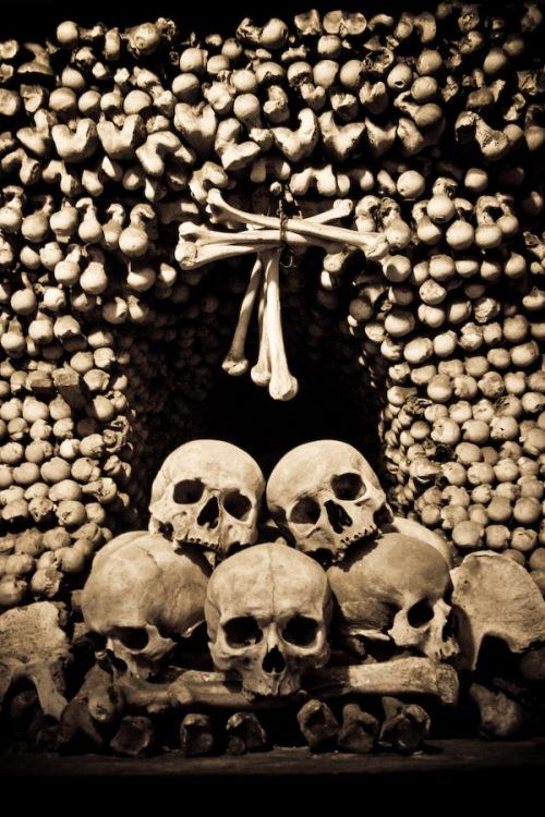 sedlec-ossuary-03-augustus-2007-13u57