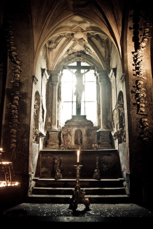 sedlec-ossuary-03-augustus-2007-14u14